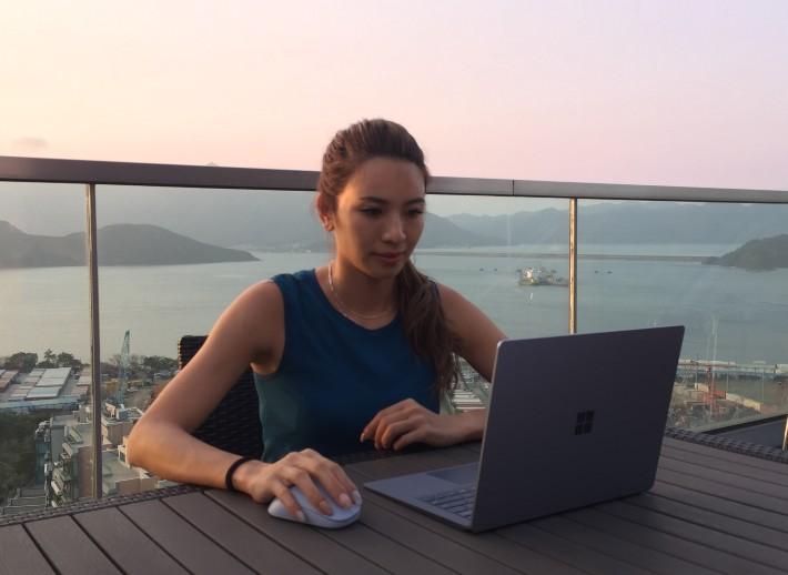 滿足家庭事業的多角色好幫手 蜘蛛媽媽的新寵 Laptop 4!